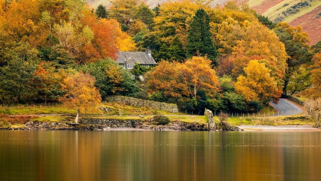 5 Relaxing UK Leisure Breaks with Spectacular Views for This Autumn